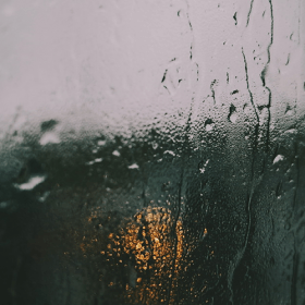 How To Clean Your Windows in a Monsoon Season